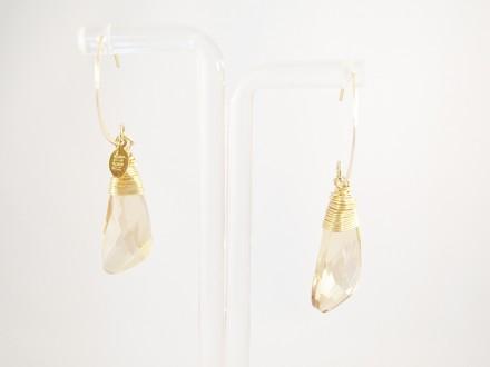 Bibu oorbellen beige