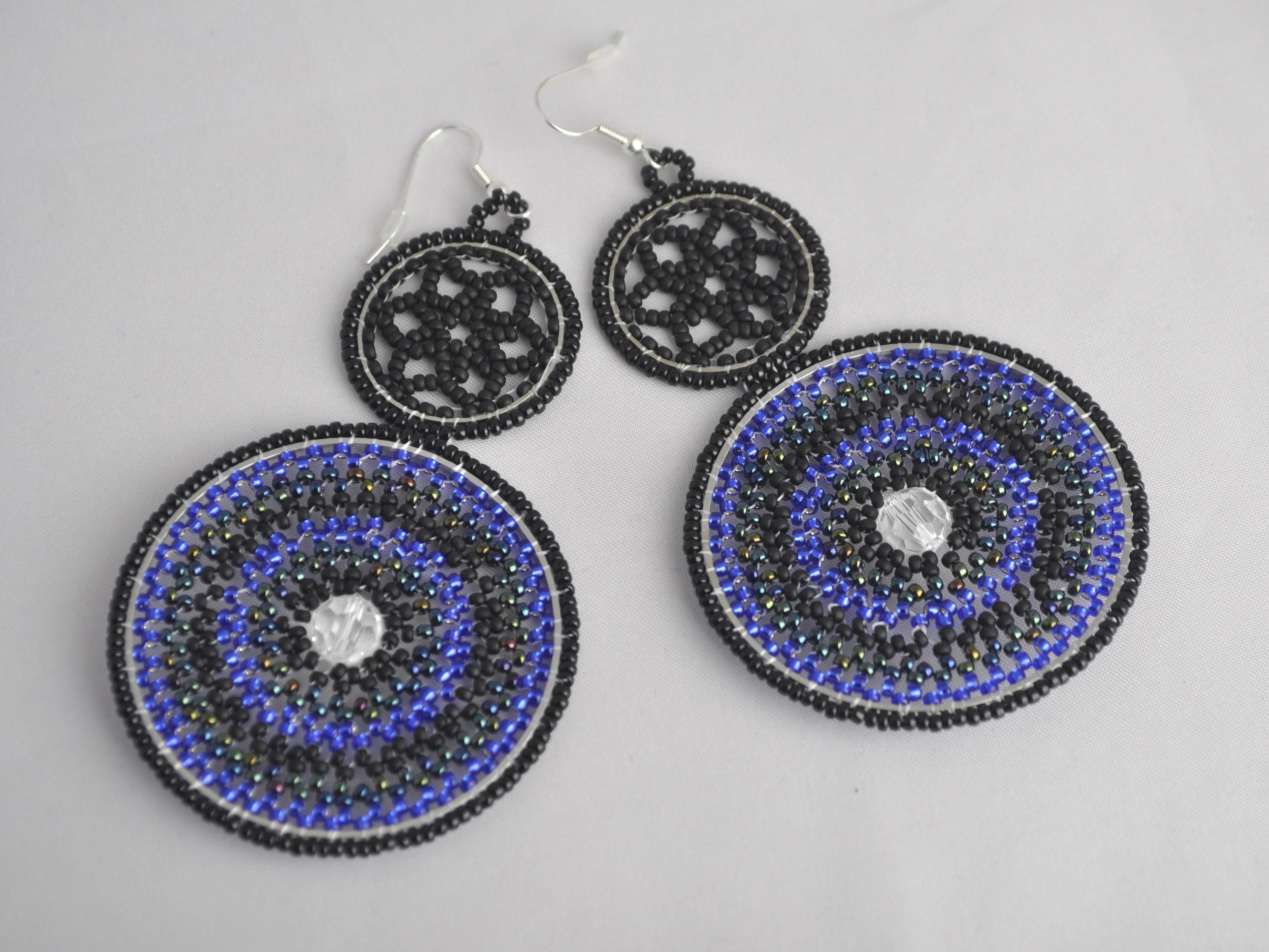 Oorbel bleu and Black