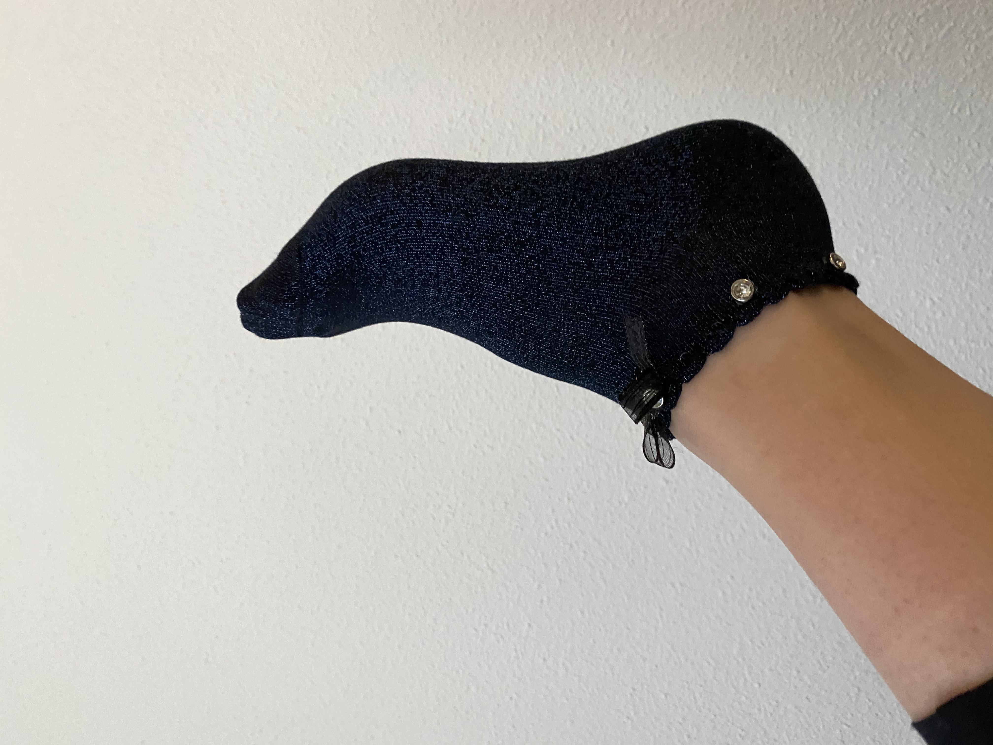 Sokken donker blauw met strikje